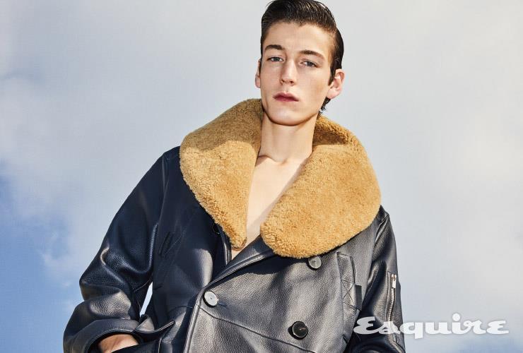 퍼 트리밍 사슴 가죽 재킷 가격 미정 에르메스.