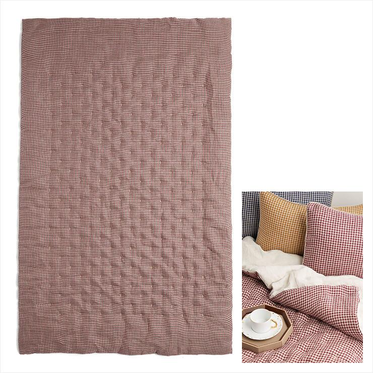 아늑하고 화사한 분위기의 침실을 위해 제격! 하운즈 투스 패턴의 침구