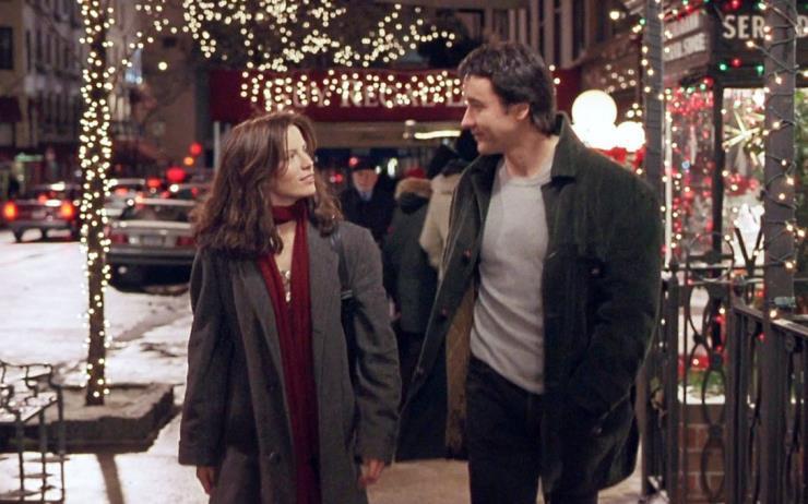 소복 소복 내리는 눈과 반짝거리는 전구가 만들어내는 아름다운 겨울 풍경, 온 마음을 뭉클하고 벅차게 만들어줄 스토리까지! 크리스마스에 보면 딱 좋은 레전드 영화 5편을 모았어요.