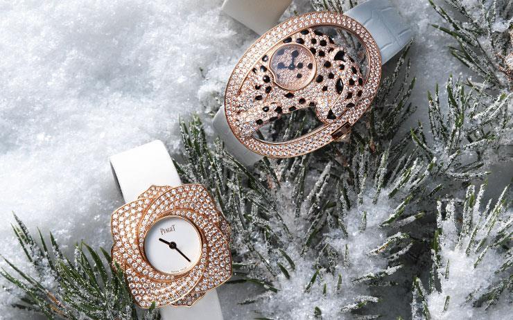 청아한 순백의 스트랩과 다이아몬드가 어우러진 겨울날의 화이트 워치.