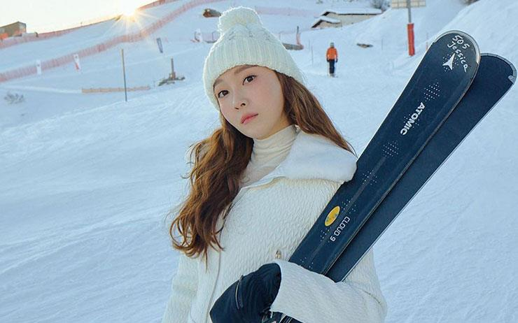 겨울아 반가워! 스키 시즌이 개막했어요. 하얀 설원을 달리고 싶다면 스타일리시한 스키 룩을 준비하세요.