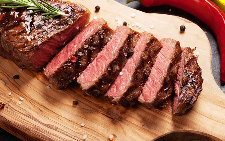 주머니가 얇아지는 연말, 그렇다고 고기를 포기할 순 없죠. 고기부페에서 마음 놓고 드세요.