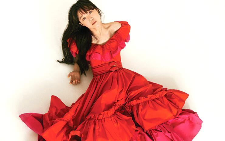 데뷔 20주년을 맞은 배우 공효진. 그녀의 과거와 현재를 되짚어본다.