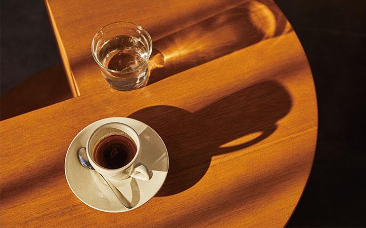 커피 맛으로 소문난 바리스타들이 찾는 카페, 그곳에서의 에스프레소 한잔.