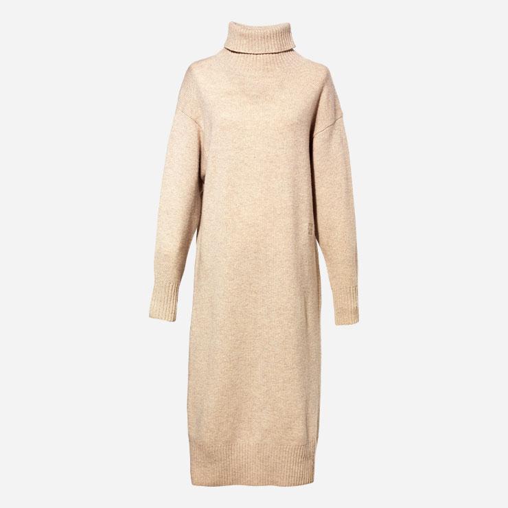 드레스 35만9천원 질스튜어트 뉴욕.→ 니트 드레스는 이번 시즌의 머스트해브 아이템.