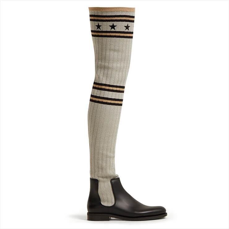 오버 니 삭스에 첼시 부츠를 신은 것 같은 효과를 낼 수 있는 사이 하이 부츠는 28만원대, Givenchy by Matchesfashion.com.