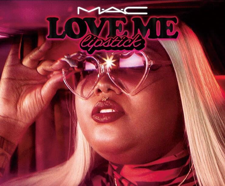 앰버 와그너(Amber Wagner)를 모델로 자기애를 표현한 MAC 러브 미 립스틱 컬렉션.