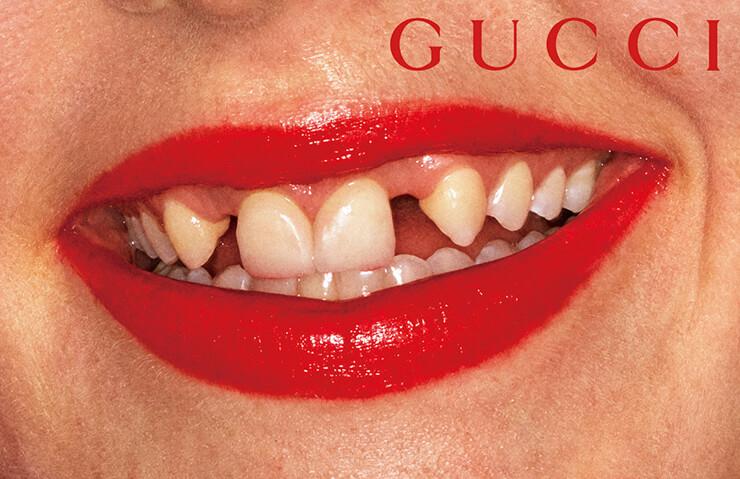 구찌 뷰티 립스틱의 글로벌 캠페인 컷.