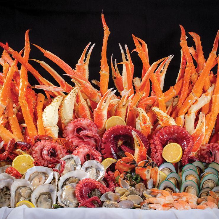 Bacchanal Buffet → 라스베이거스 3대 뷔페 중 하나. 9가지 스테이션에서 무려 500여 가지가 넘는 요리를 맛볼 수 있다.