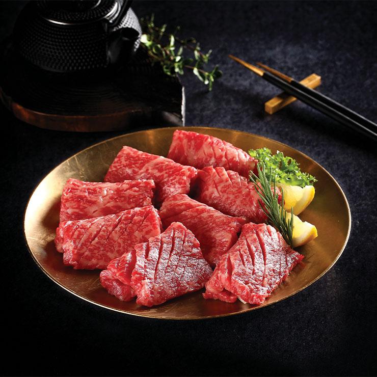Chosun Hwaro & Nara Teppan → 한국이 그리워질 때쯤, 느끼한 식단에 질려 칼칼한 된장찌개가 생각난다면 가야 할 고깃집.