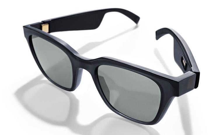 보스에서 출시한 스피커를 탑재한 선글라스 '보스 프레임 알토'를 소개한다.