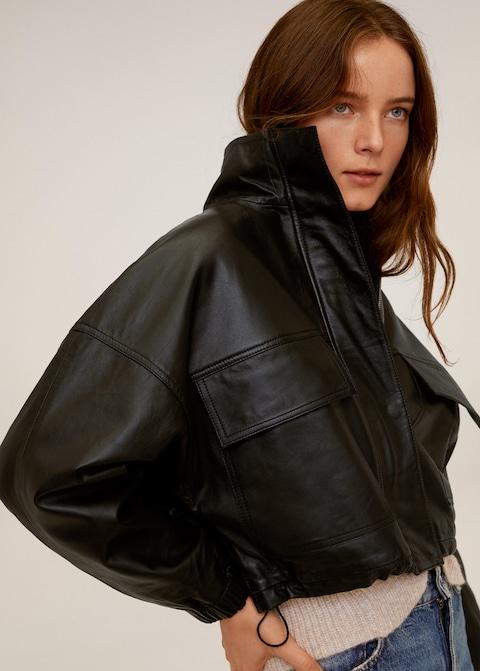 와이드한 볼륨감의 가죽 재킷이 궁금하다면? 사진을 CLICK!