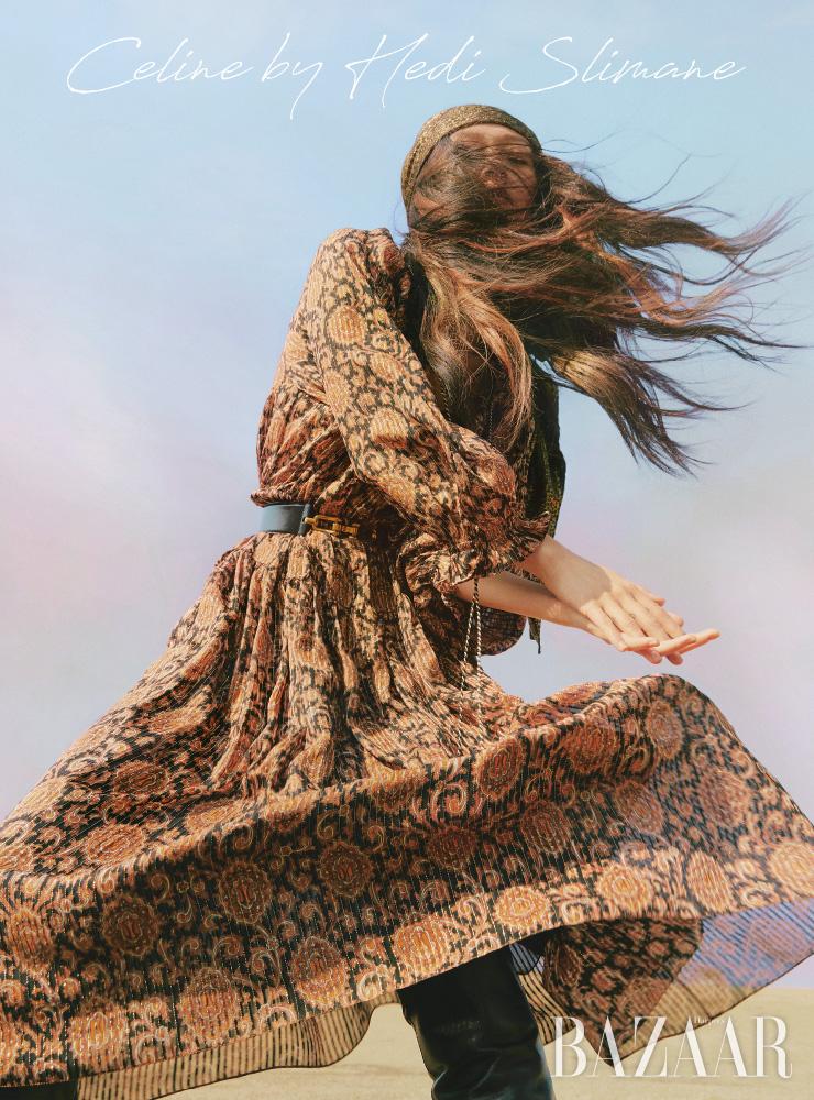 드레스, 밴대너, 벨트, 부츠는 모두 Celine by Hedi Slimane.에디터/ 윤혜영 사진/ 오아랑 모델/ 박서희 헤어/ 조미연 메이크업/ 이나겸 어시스턴트/ 임지아