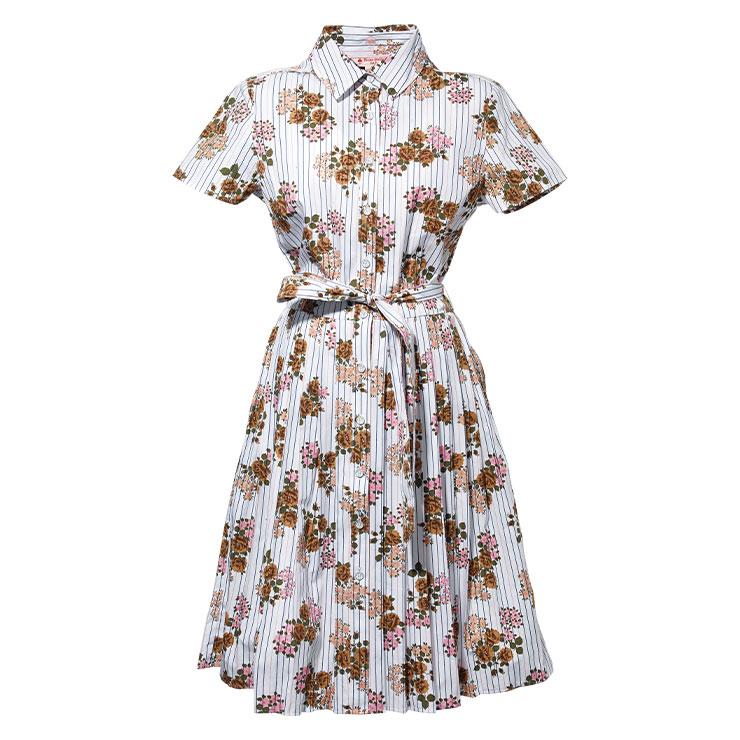드레스 16만5천원 브룩스 브라더스. → 잔잔한 꽃무늬 패턴이 로맨틱한 분위기를 더해준다.