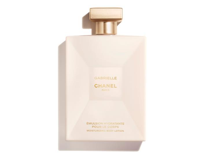 4가지 화이트 플라워 부케를 바탕으로 한 따뜻한 향, 가브리엘 샤넬 바디로션, 200ml 8만4천원, 샤넬(Chanel)