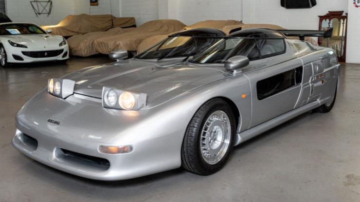 슈퍼카 1988 이탈디자인 아즈텍이 경매에 올라왔다.