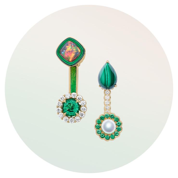 빈티지한 터칭이 매력적인 '디올에무아' 귀고리는 Dior Fine jewelry.