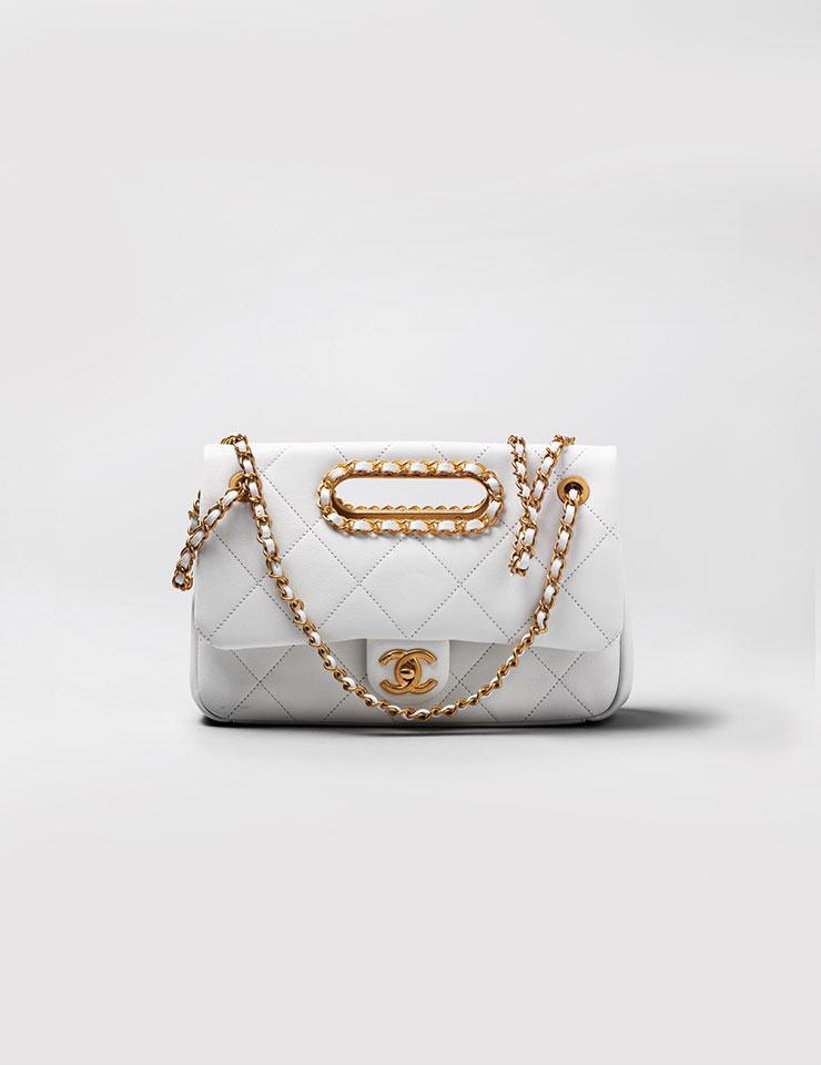스몰 플랩 백은 6백59만원, Chanel.