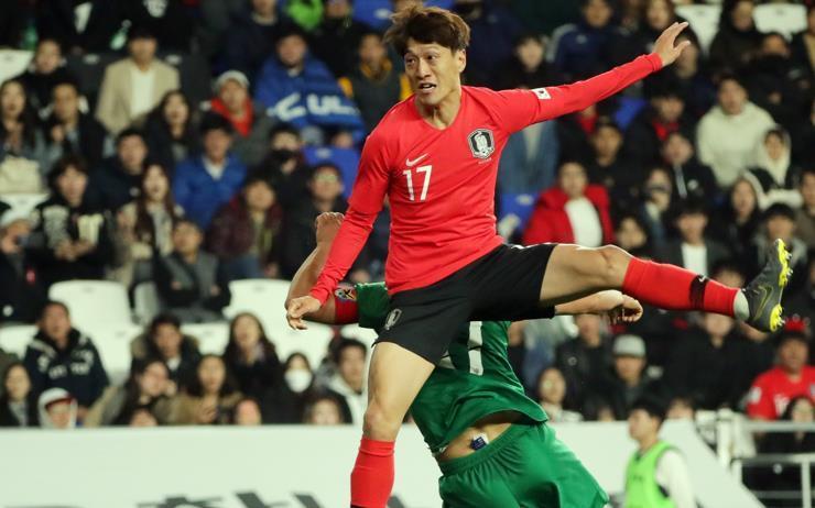 울산 현대를 통해 K리그로 귀환한 이청용과 스페인 라리가 데뷔전을 치른 기성용의 엇갈린 운명.