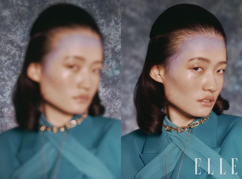 터쿠아즈 컬러의 보 블라우스와 재킷은 가격 미정, Balenciaga. 골드 체인 네크리스는 가격 미정, Tiffany & Co.