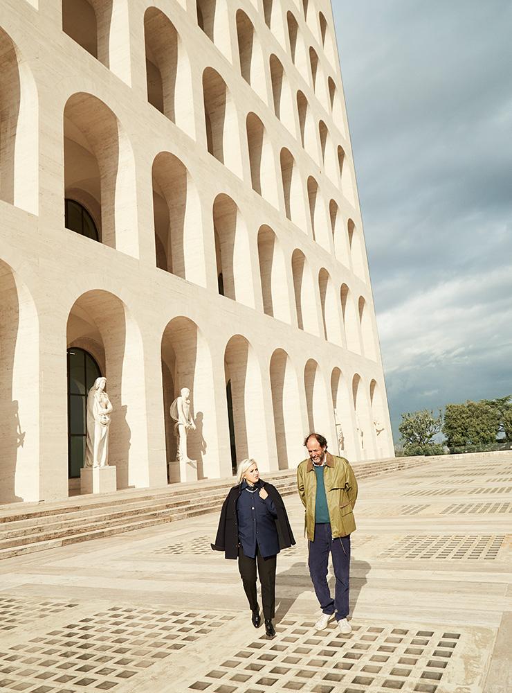 펜디의 크리에이티브 디렉터 실비아 벤투리니 펜디와 영화감독 루카 구아다니노.