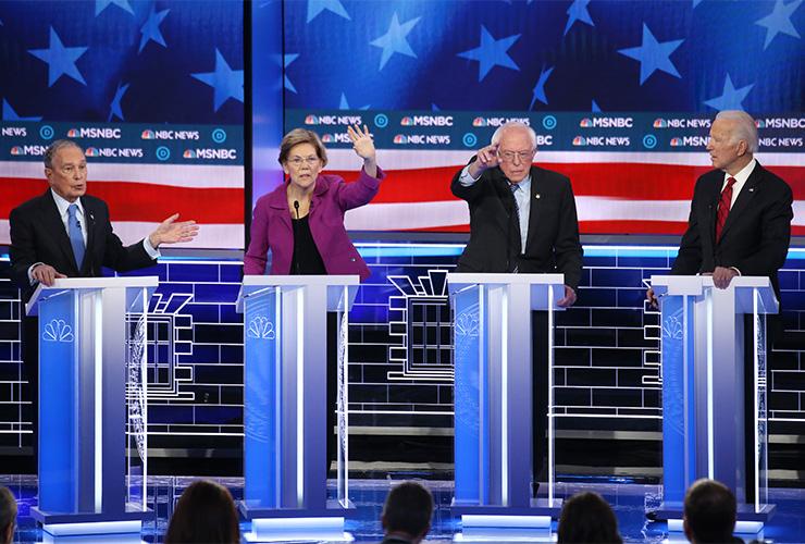 지난 2월 19일 라스베이거스에서 열린 민주당 경선 후보 토론회의 모습. 왼편부터 마이클 블룸버그, 엘리자베스 워런, 버니 샌더스, 조 바이든.