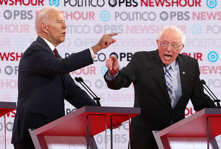 지난 2019년 12월 캘리포니아 로욜라 매리마운트대학에서 열린 민주당 경선 후보 토론회의 모습. 결국 조 바이든(왼쪽)과 버니 샌더스(오른쪽)가 최후의 2인이 될 가능성이 높다.