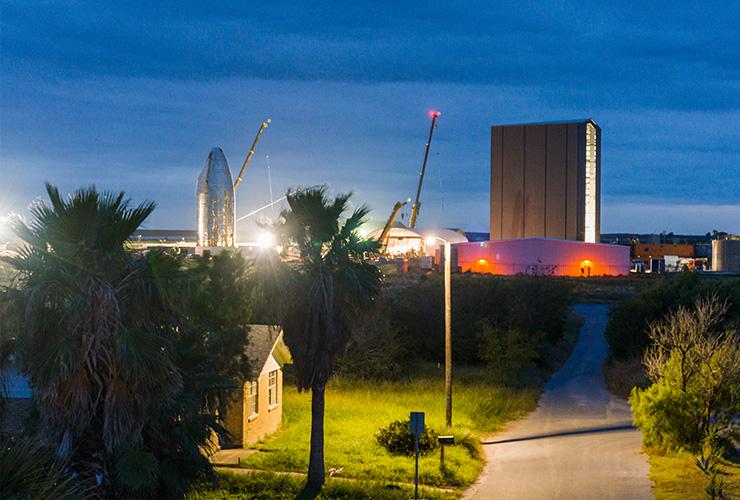 텍사스주의 조용한 마을 보카치카에 들려온 스페이스X의 로켓 소식