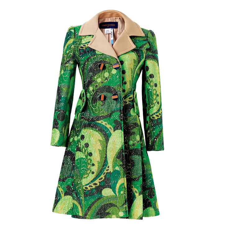 트로피컬 무드의 코트는 가격 미정, Louis Vuitton.