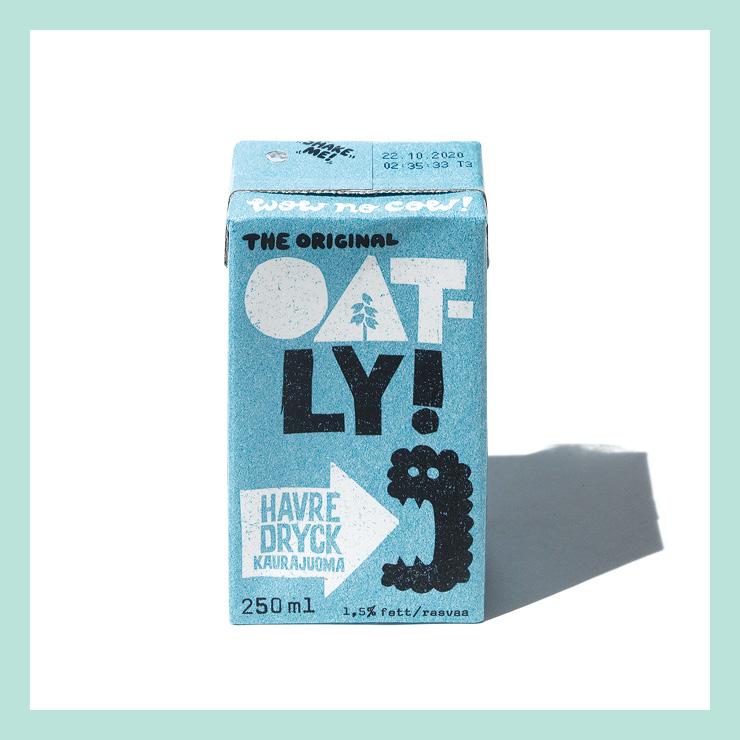 스웨덴산 귀리 음료 오틀리. 최근 우유 대체품으로 각광받는 것이 귀리 음료다. 은은한 맛이 마실수록 매력적이다. 예쁜 패키지가 더욱 손이 가게 만든다.