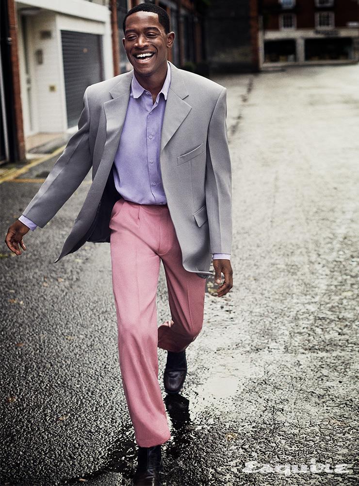 재킷, 셔츠, 팬츠 모두 루이 비통. 부츠 에르메네질도 제냐 XXX.