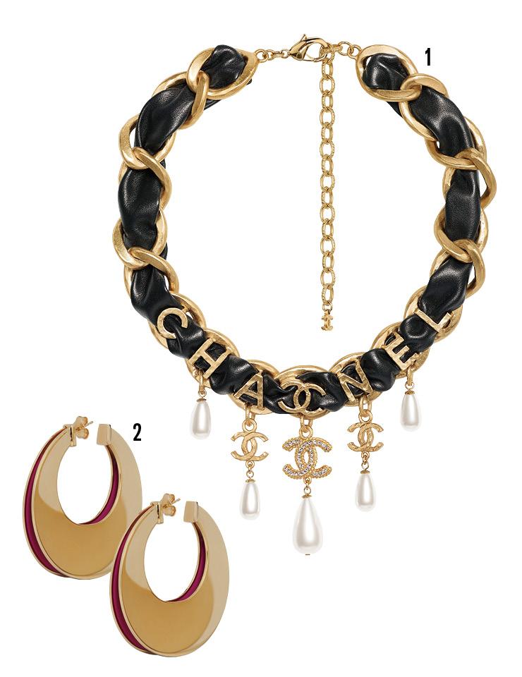 1 체인과 레더를 믹스한 네크리스는 가격 미정, Chanel. 2 골드 빅 이어링은 가격 미정, Celine by Hedi Slimane.