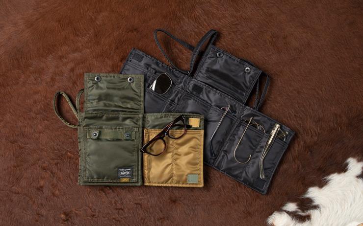 포터와 백산안경점이 MA-1 재킷 소재로 만든 미니 백을 출시했다.