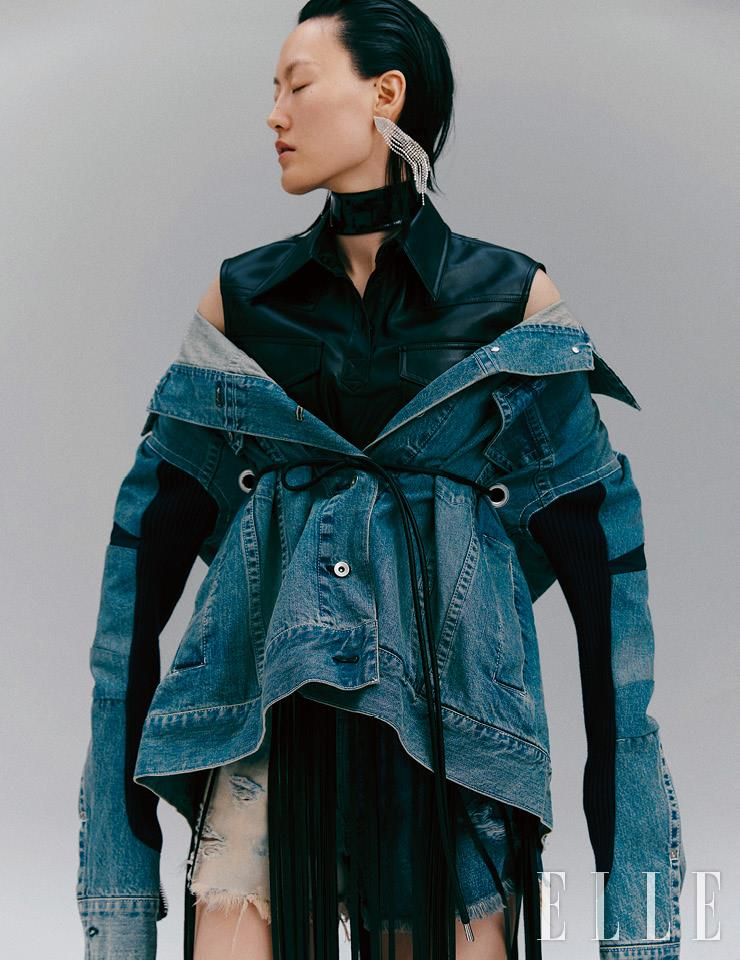 블랙 레더 초커는 51만원, Gucci. 프린지 디테일의 슬리브리스 셔츠는 가격 미정, YCH. 허리 부분의 스트링을 조일 수 있는 데님 재킷은 가격 미정, Sacai. 크리스털 이어링은 1만4천9백원, H&M.