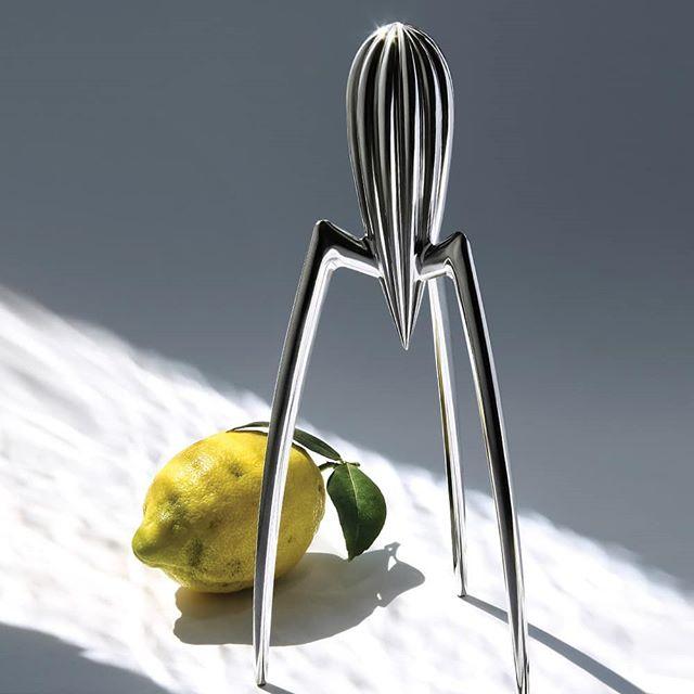 필립 스탁의 대표작이자 20세기 디자인 명품으로 남은 쥬시 살리프 시트러스 스퀴저, 17만원, 알레시