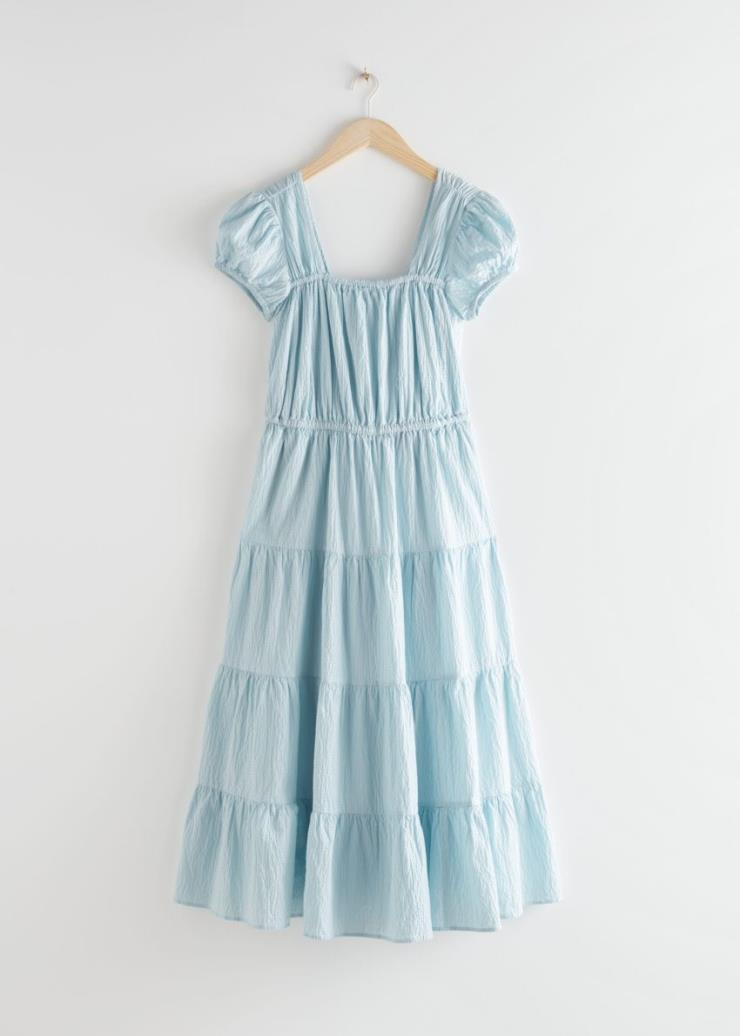 걸리시한 디자인의 롱 드레스는 19만원, & Otherstories.