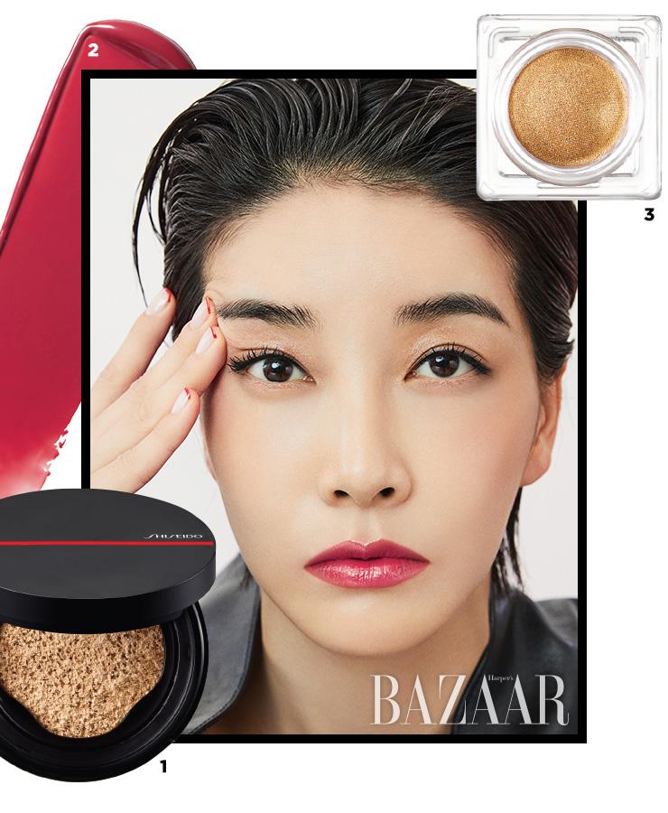 1 Shiseido 싱크로 스킨 셀프 리프레싱 쿠션 컴팩트 5만5천원대. 2 Shiseido 컬러젤 립밤, 106 레드우드 3만7천원대. 3 Shiseido 아우라 듀, 04 오로라 3만1천원대.
