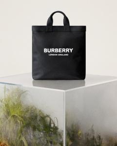 버버리 'ReBurberry Edit' 컬렉션
