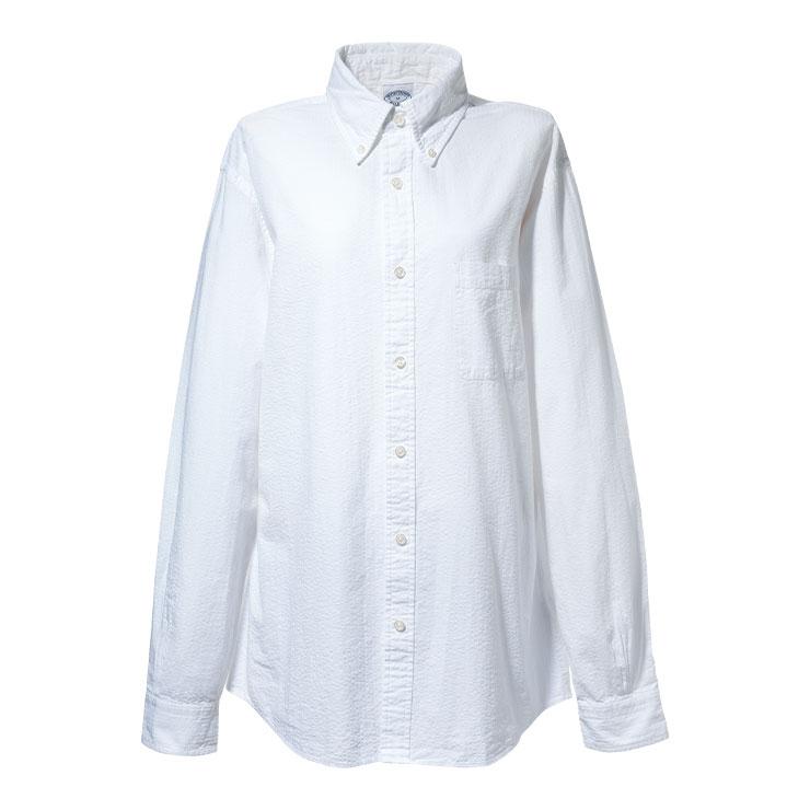 셔츠 14만9천원 브룩스 브라더스. → 화이트 셔츠와 데님의 조합은 영원불멸하다.