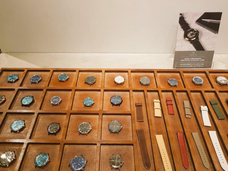 모든 부분을 선택 가능해 자기만의 시계를 맞출 수 있는 홍콩 브랜드 이오니크(eoniq.co)