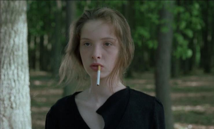 19살의 줄리 델피. 영화 〈비포 선라이즈〉 (일명 비포 시리즈)로 잘 알려진 배우이자 감독, 싱어송라이터