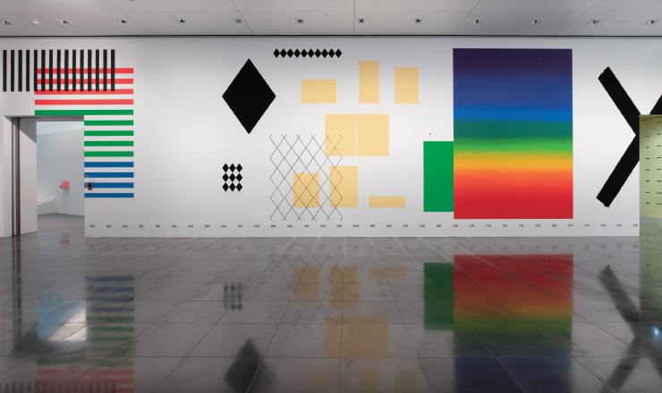 2015년 뉴욕 두산갤러리 개인전에서 책 〈SET〉를 처음 벽화로 시도했다. 첫 번째 〈SET〉 연작을 20번째 〈SET〉 연작인 이번 전시에서 똑같이 구현함으로써 5년 간의 진화 과정을 짐작하게 한다.