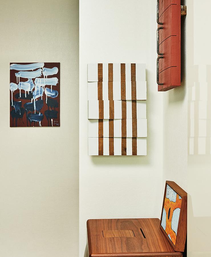 (왼쪽부터) 이건용, 〈The Method of Drawing〉, 2012. 키시오 스가(菅木志雄), 〈連?同起〉, 2013. 키시오 스가, 〈止間〉, 2005. 김기린, 〈무제〉, 1969.