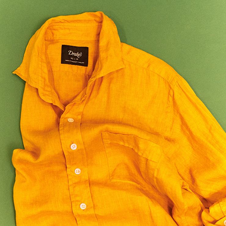 드레익스 리넨 셔츠는 진중하면서 또 쾌활하다.