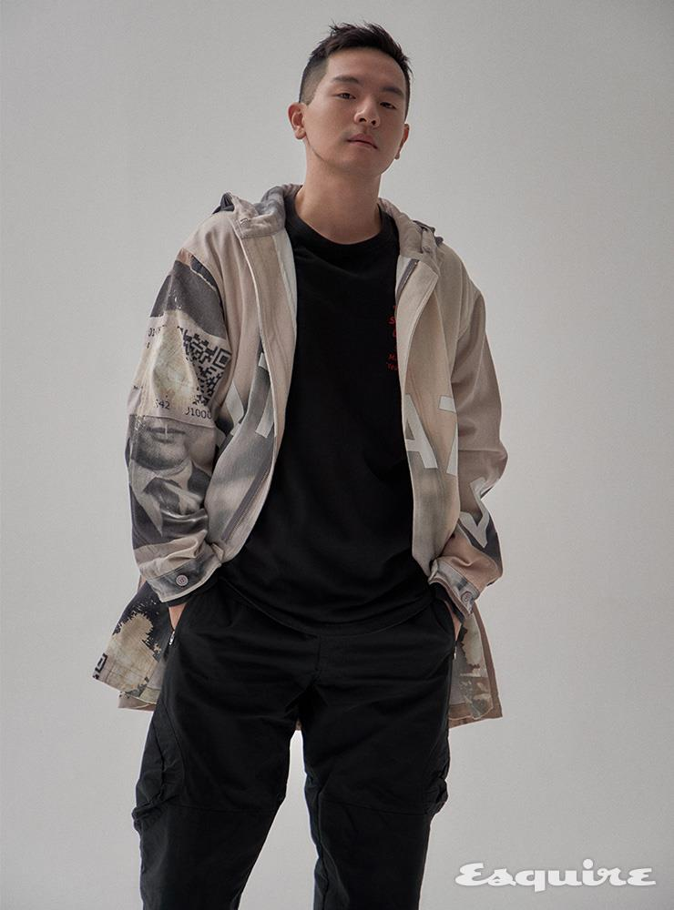 재킷 P.A.M. 티셔츠 보일러 룸. 팬츠 혜인서.