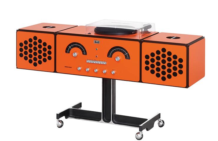 이탈리아 장인들의 손으로 생산되는 하이엔드 멀티 사운드 시스템 '라디오포노그라포'는 1천4백만원대, Brionvega by J'aime Blanc.