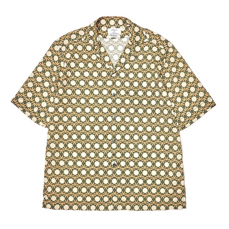 도트 패턴 하와이안 셔츠 29만원 맨온더분.