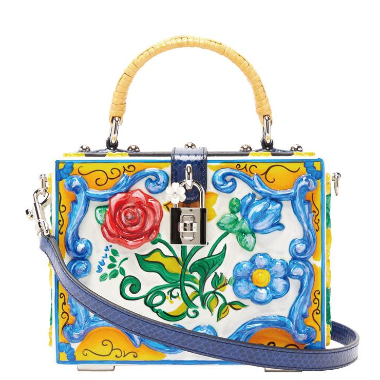 시칠리아의 타일을 닮은 컬러플한 박스 백은 7백46만원대, Dolce & Gabbana by Matchesfashion.