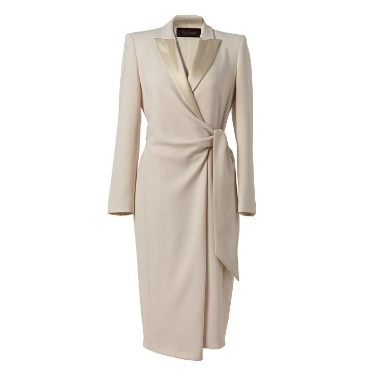 우아한 화이트 코트 드레스는 2백만원대, Max Mara.