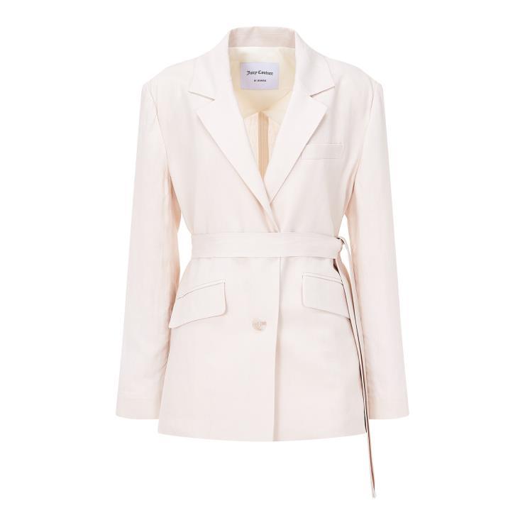 벨트로 허리를 묶어 슬림하게 연출할 수 있는 리넨 재킷은 25만9천원, Juicy Couture.